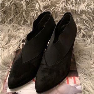 Stuart Weitzman leather black low heel booties
